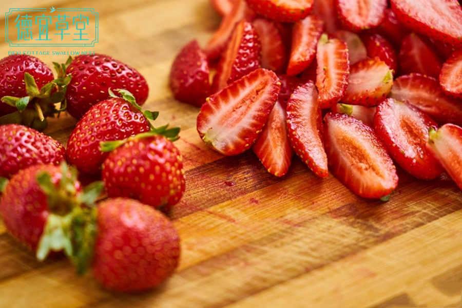 草莓燕窝的做法