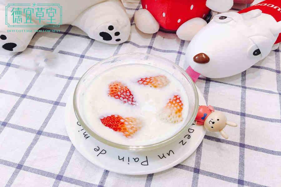 草莓牛奶燕窝的做法与功效