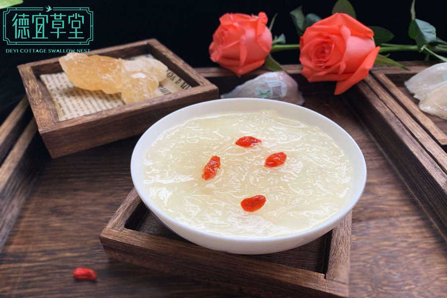 红枣枸杞牛奶燕窝的做法