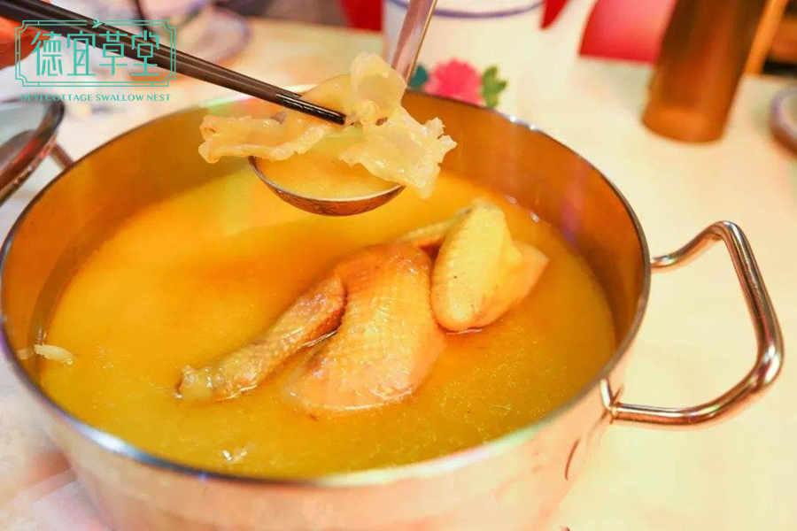 花胶燕窝鸡汤的做法