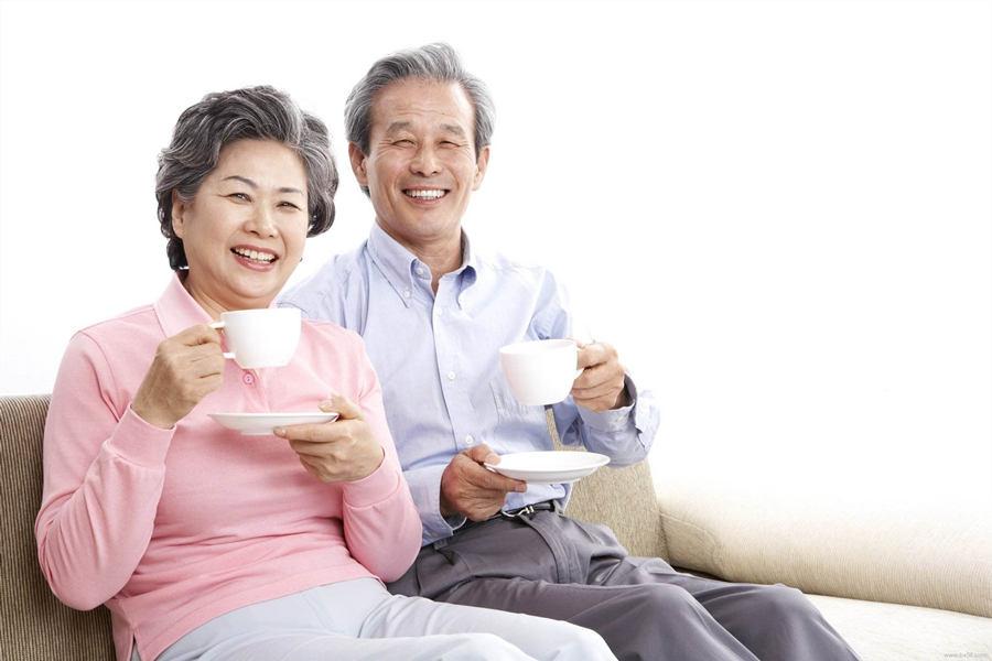 中老年吃燕窝的功效作用
