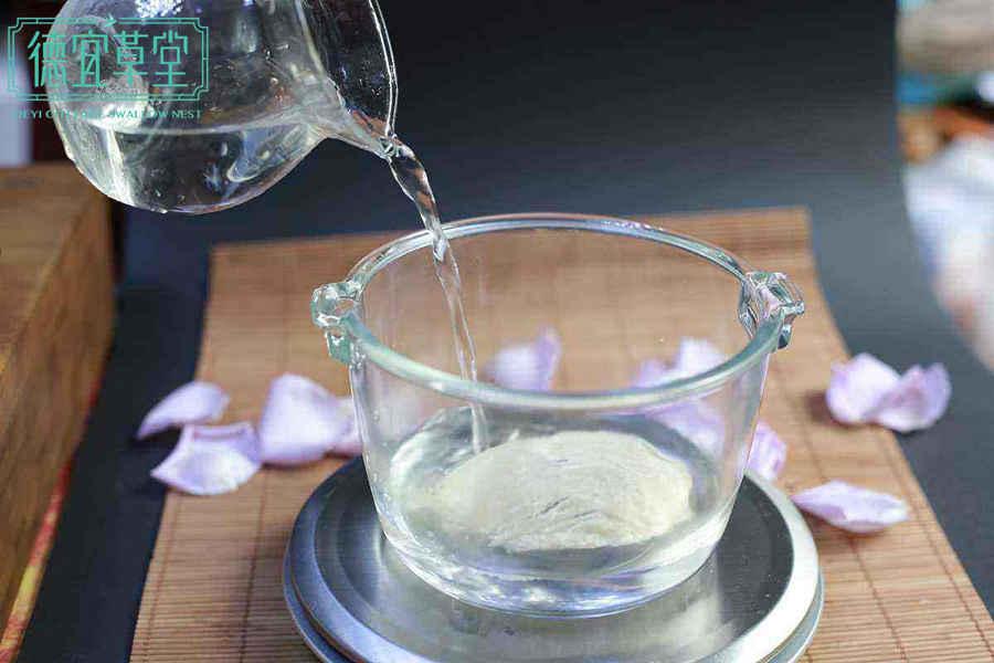 泡发燕窝是用凉水还是热水